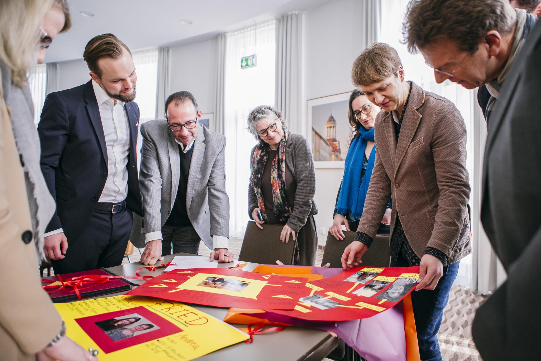 Die Jury staunt über die Kreativität der eingereichten Bewerbungen © offenblen.de