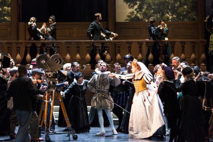 """Szene aus """"Les Huguenots"""" am Grand Théâtre de Genève"""