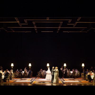 "Szenenbild aus ""Ariane et Barbe-Bleue"" an der Opéra de Lyon"